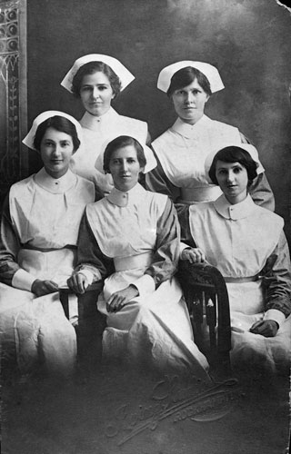 Student nurses at the Rockhampton Women's Hospital 1908