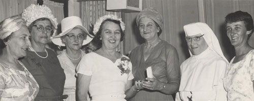 Matron Kitty Lewis with colleagues at a Royal Austalian Nursing Federation meeting