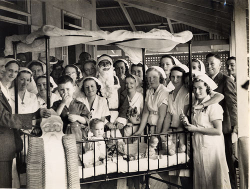 Christmas with children at the Rockhampton Hosptal 1939